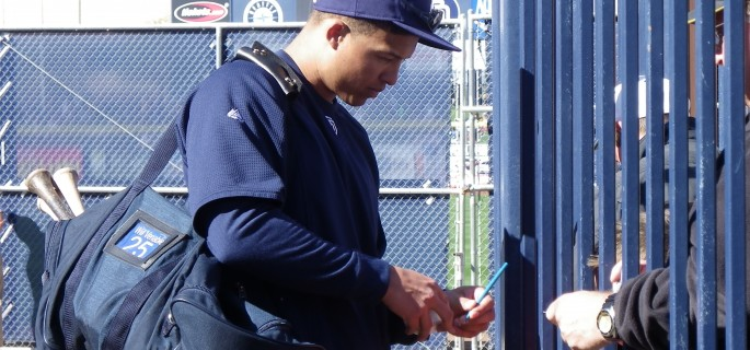 Will Venable signing autographs at spring training.